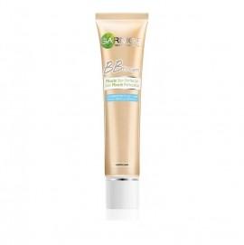 Garnier BB Cream Medium SPF20 Κρέμα ΒΒ Για Μικτή/Λιπαρή Επιδερμίδα, Σκουρόχρωμη 40ml